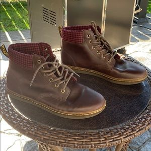 Dr. Martens Maelly boots